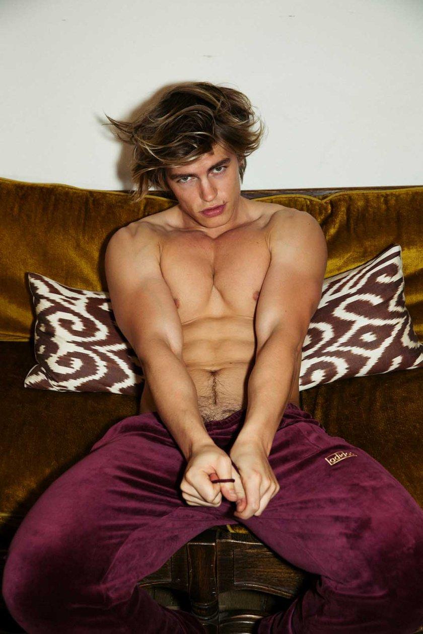 Zander Hodgson by Gabe Ayala